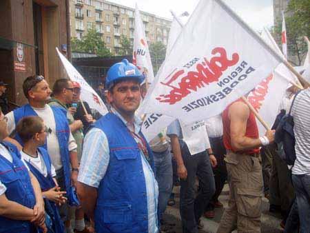 pikieta_w_warszawie_20100623_2035023592
