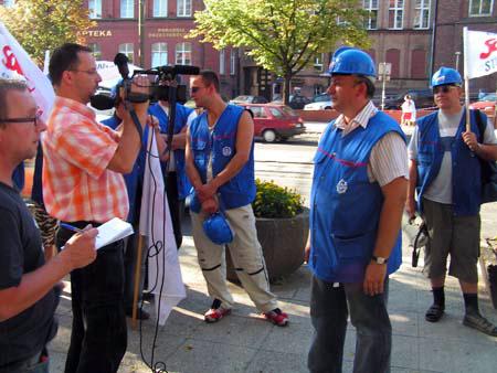 protest_przeciwko_dyrektorowi_zukowskiemu_20100617_1219641077